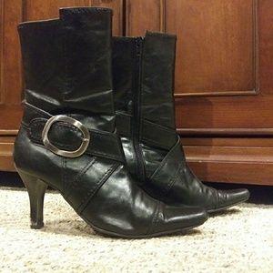 Black Boots Stiletto heels Zipper pointed toe Sz 8
